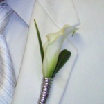 white calla lilly with silver accent