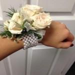 Peals wrist bracelet Corsages